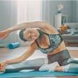 Relaksasi di Rumah dengan gerakan Yoga sederhana