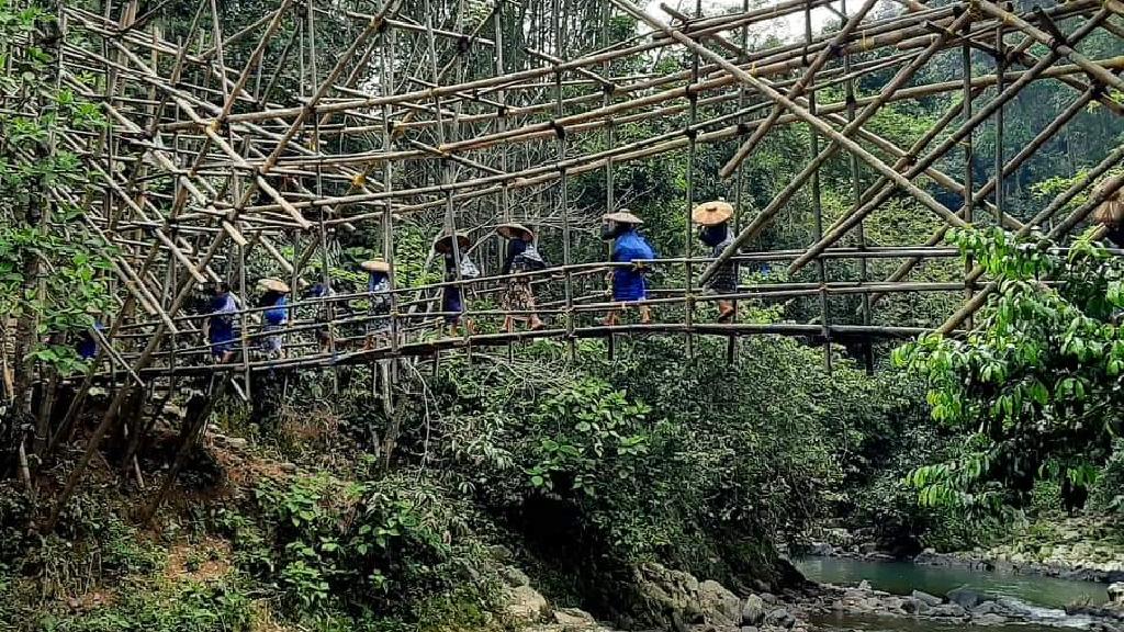 Rancangan Unik Jembatan Na Kenekes Suku Baduy
