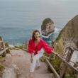 Ajak KemBALI, Artis Indah Kalalo Explore Nusa Penida