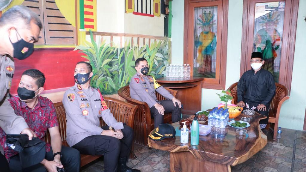 Kapolda Metro Jaya Silaturahmi Dengan Ketua Forum Betawi (FBR)