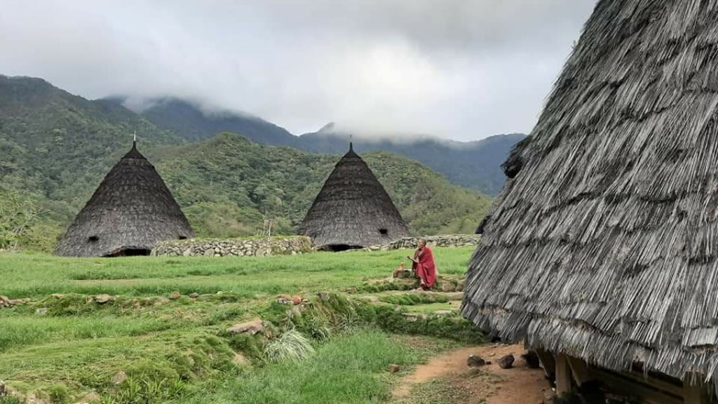 Mbaru Niang Desa Terpencil Nan Misterius di Manggarai