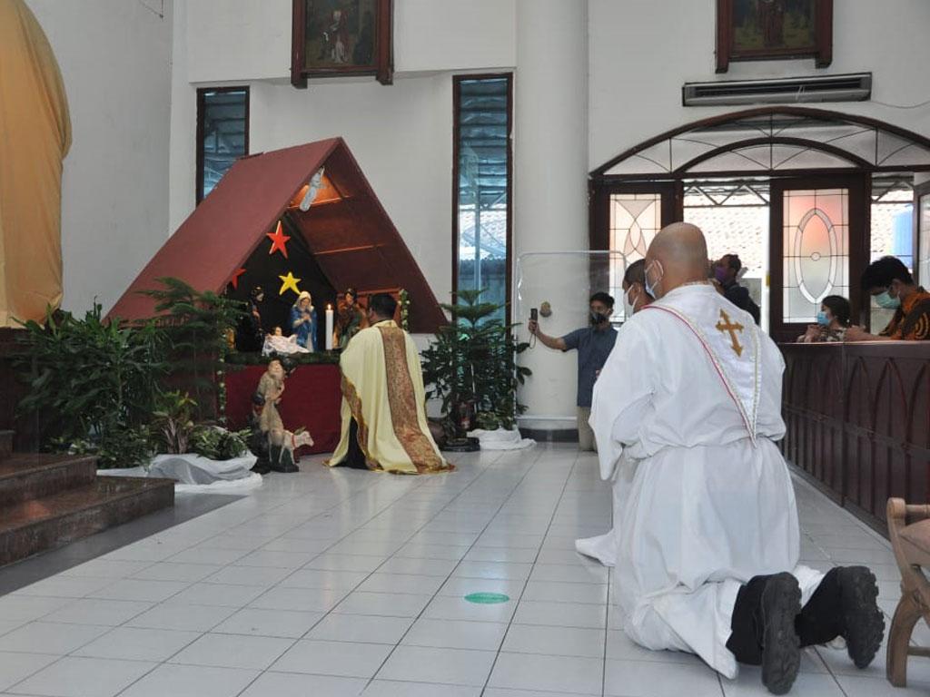 suasana-perayaan-misa-di-paroki-keluarga-kudus-pasar-minggu-3