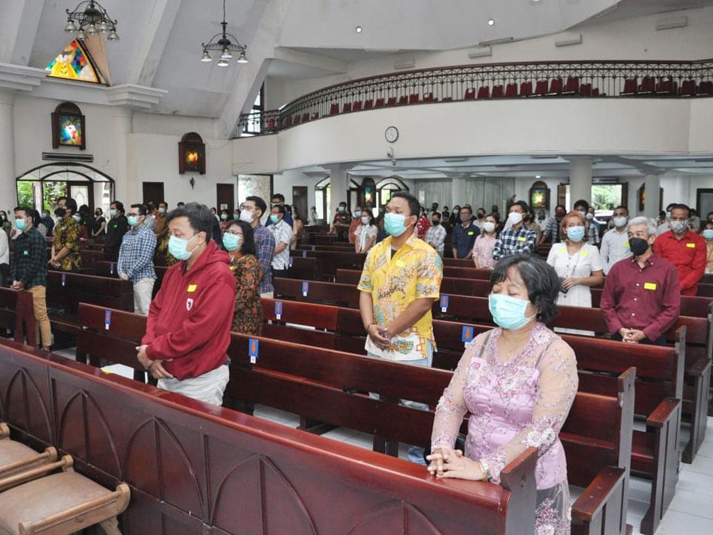suasana-perayaan-misa-di-paroki-keluarga-kudus-pasar-minggu-4
