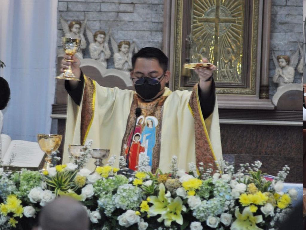 suasana-perayaan-misa-di-paroki-keluarga-kudus-pasar-minggu-6