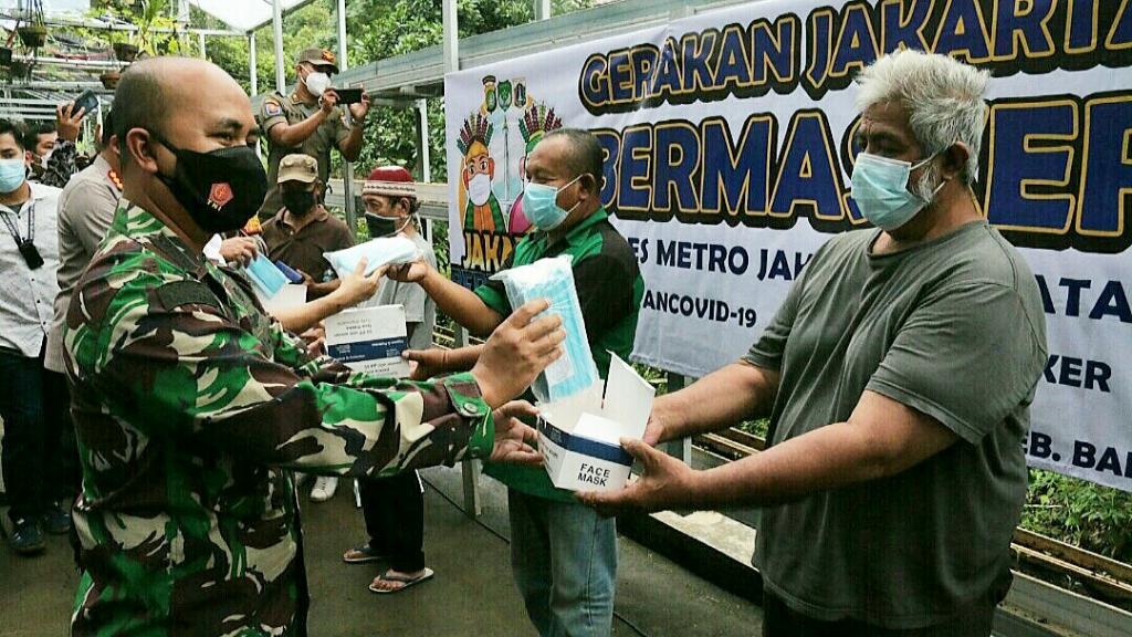 Dandim 0504/JS, Kapolres dan PLH Walikota Jaksel Luncurkan Jakarta Bermasker di Kampung Jaya Tangguh