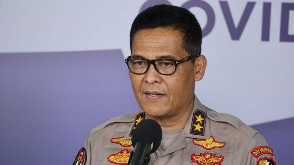 Wujud Negara Hadir, Personel TNI-Polri Bantu Korban Banjir