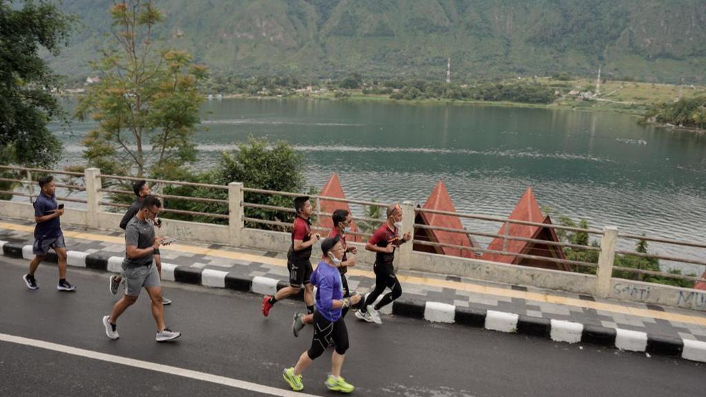 Nikmati Keindahan Danau Toba dengan Jalur Sepeda Tour de Samosir
