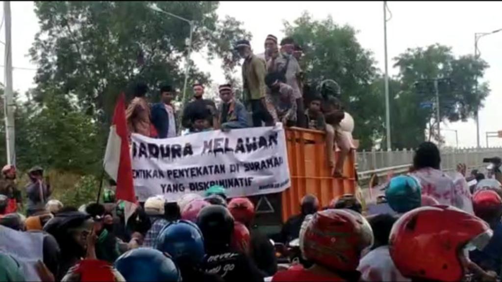 Ribuan Warga Madura Tolak Kebijakan Walikota Surabaya